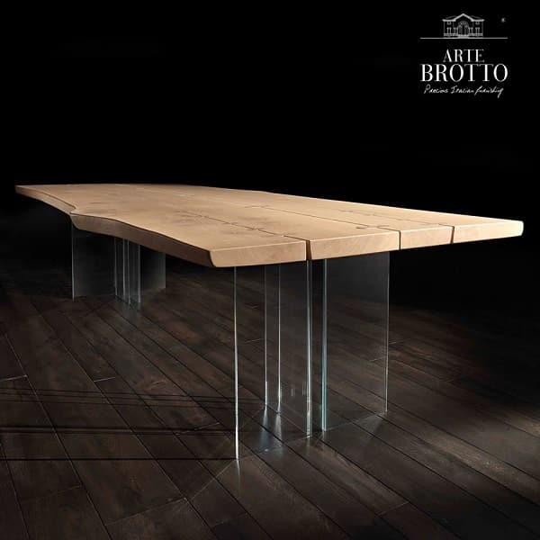 Маса от солиден дървен плот върху стъклена конструкция?