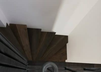 Интериорно стълбище с паркет дъб-дъб-дъб