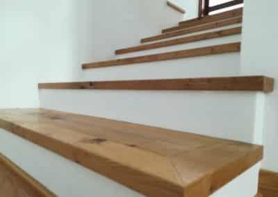 """Интериорни стълби с паркет на """"Salis"""""""